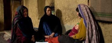 Afghanistan_CHW_Visiting_a_woman_Health_Services_Support_Project